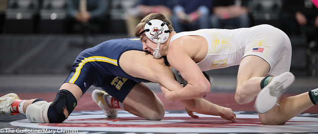 113AA 1st Place Match - Joey Thompson (Totino-Grace) 51-2 won by decision over Maxwell Petersen (Byron) 32-1 (Dec 10-5) - 190302BMC4101