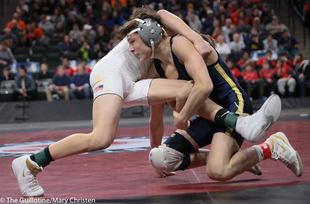 113AA 1st Place Match - Joey Thompson (Totino-Grace) 51-2 won by decision over Maxwell Petersen (Byron) 32-1 (Dec 10-5) - 190302BMC4061