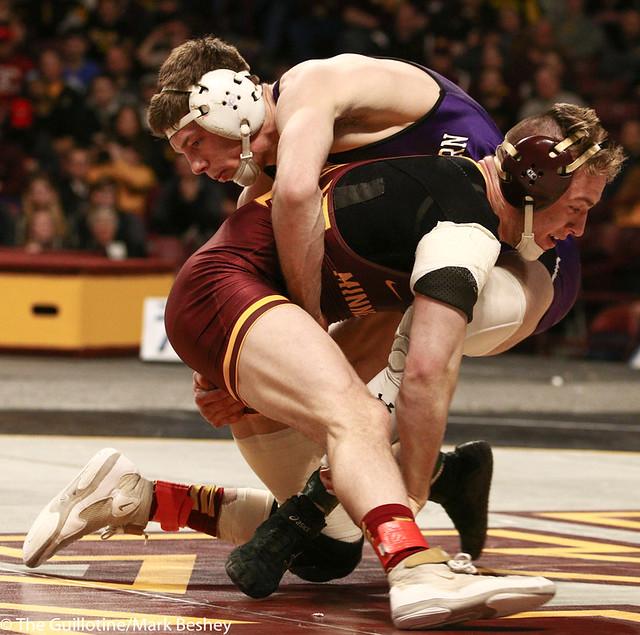 5th Place Match - Ryan Deakin (Northwestern) 29-4 won by major decision over Steve Bleise (Minnesota) 18-7 (MD 10-1) - 190310dmk0100