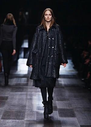 Autumn:Winter 2009 Campaign - Fashion Show (6)