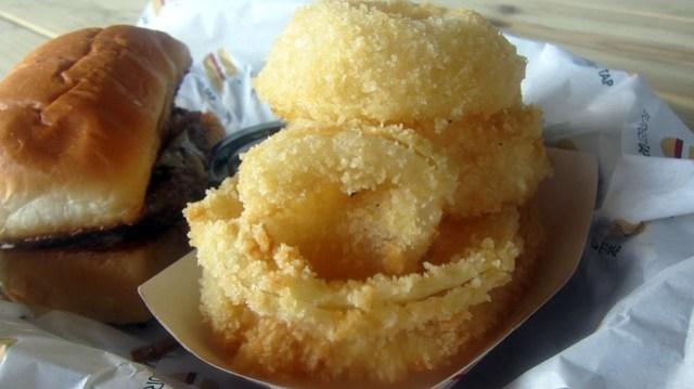 onion rings at burger tap