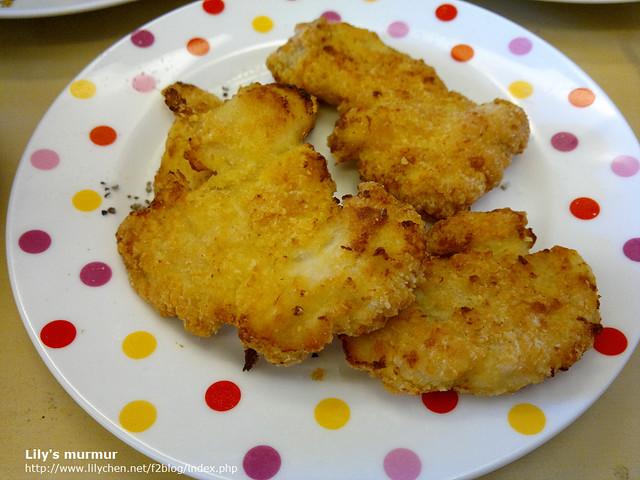 蠻好吃的起司雞排,但還是有點乾,我還在實驗火侯,但味道不錯。