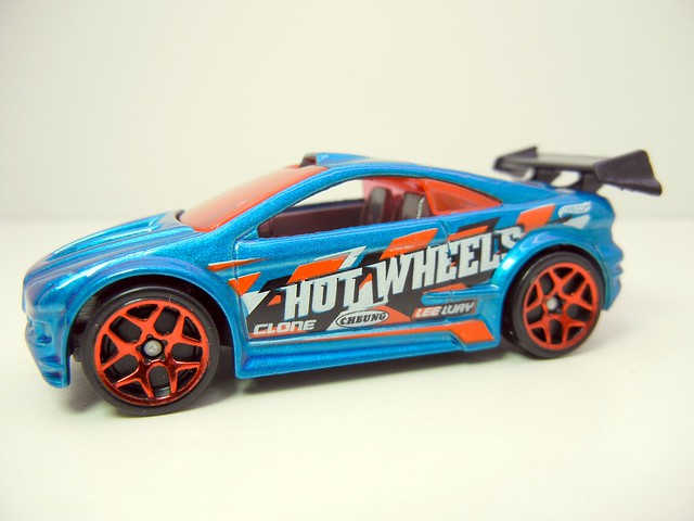 2011 HOT WHEELS TUNERZ 5 PACK (5)