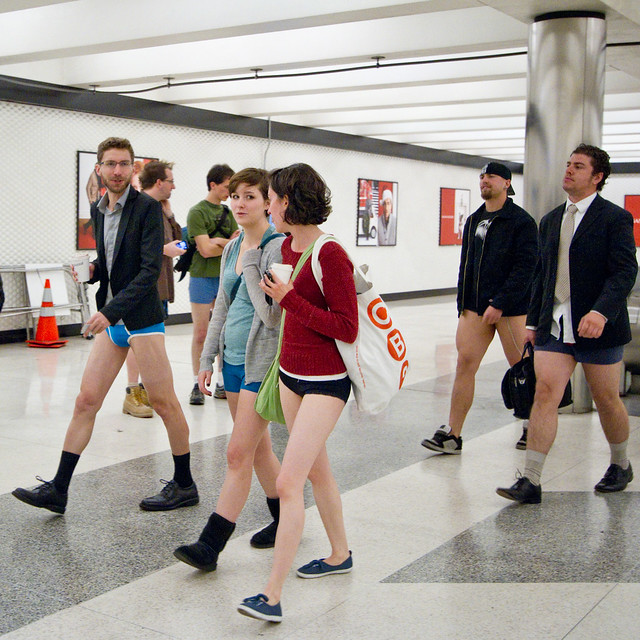 No Pants Subway Ride San Francisco 2012: montgomery 02