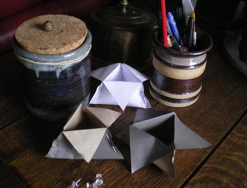 Vide poche triangulaire bureau