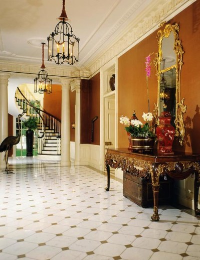 Lake Forest Foyer