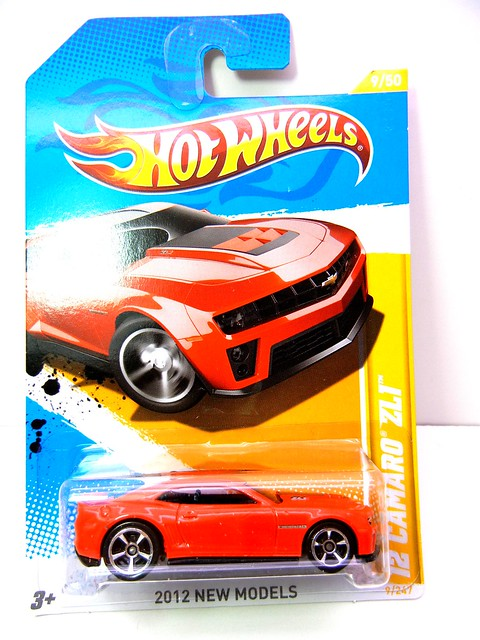 HOT WHEELS '12 CHEVY CAMARO ZL1 (1)
