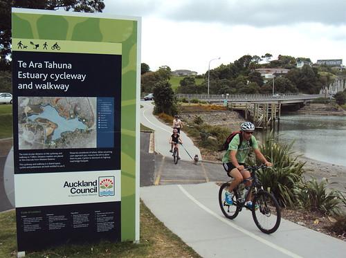 Te Ara Tahuna Estuary Cycleway