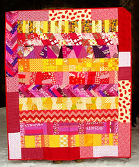 finished do good stitches love circle quilt