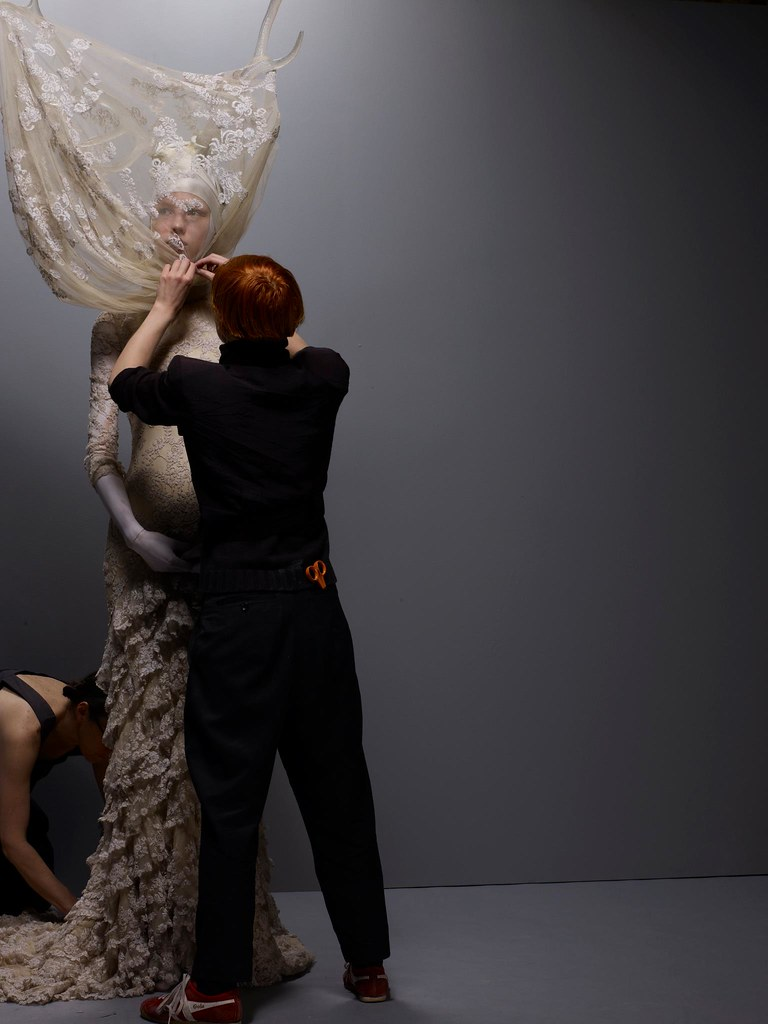 Savage Beauty Exhibition 2011 - Behind The Scenes (1)