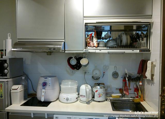 我每天就靠這幾鍋生活,哈!右二那個是快煮壺。