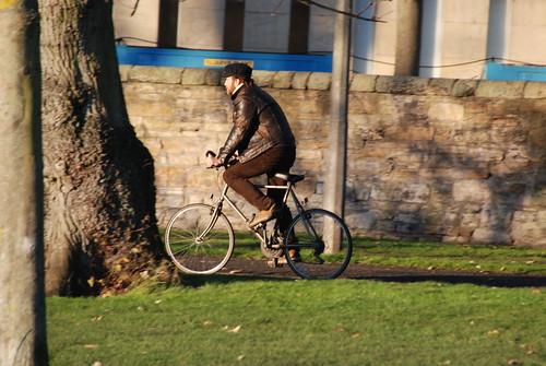 Breton cap, Leather jacket & brown jeans