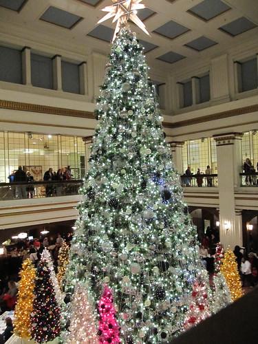 State Street Macy's Christmas Tree