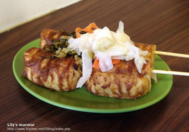 可加兩種泡菜,我家了雪裡紅跟台式泡菜,口味普通。