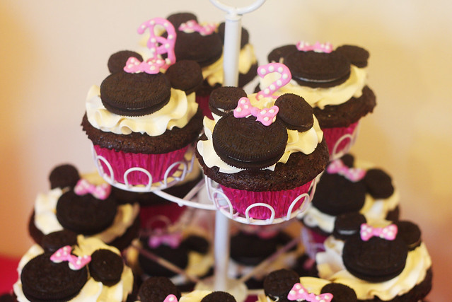 Minnie Mouse Oreo Cupcakes