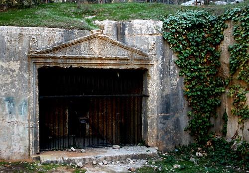 Tomb, Sanhedrin Park