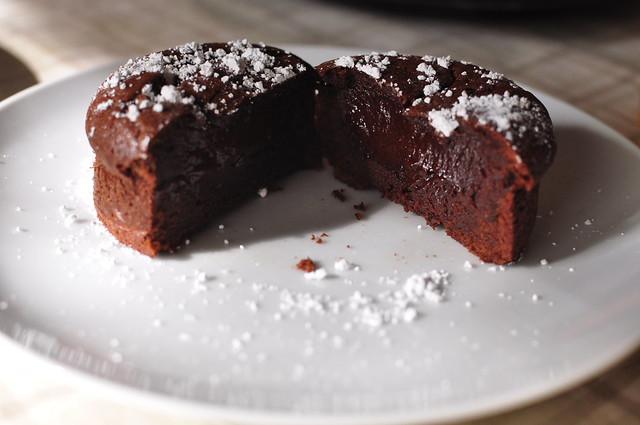 molten chocolate cakes 03