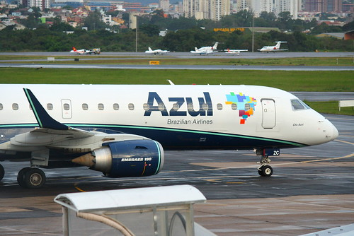 Embraer 190 da Azul @ SBPA
