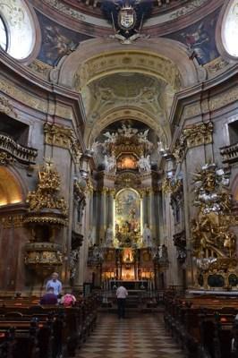 Interior Iglesia San Pedro