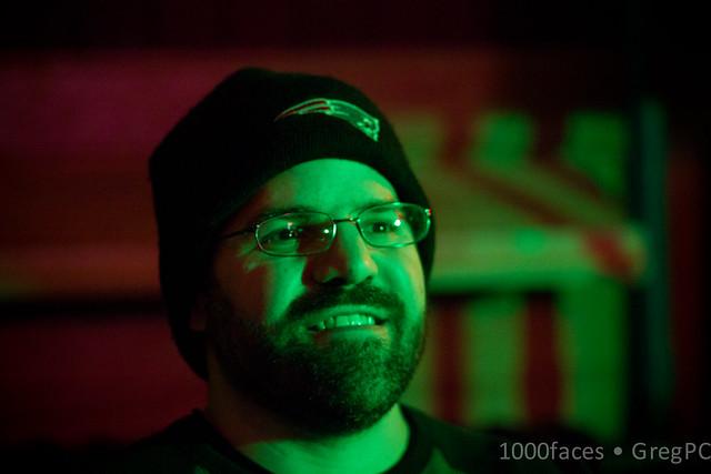 Face - smiling green-faced man