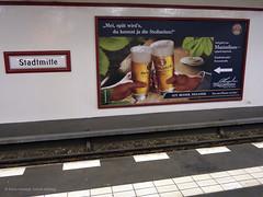 Alkoholwerbung auf Berliner Bahnsteigen