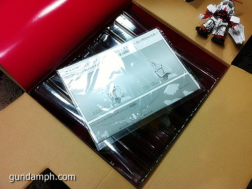 Banpresto Gundam Unicorn Head Display  Unboxing  Review (15)