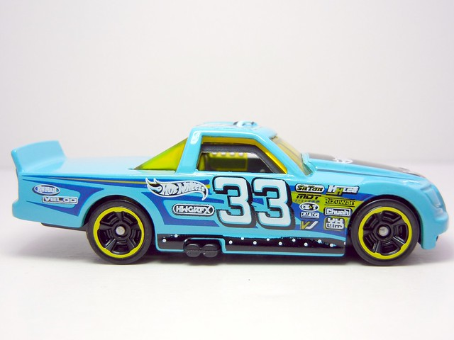 HOT WHEELS CIRCLE TRUCKER TEAL (2)