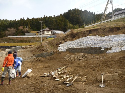 陸前高田で土のう作りボランティア(甲斐のめぐみ号) Volunteer at Rikuzentakata, Iwate pref. Deeply affected by the Tsunami of Great East Japan Earthquake