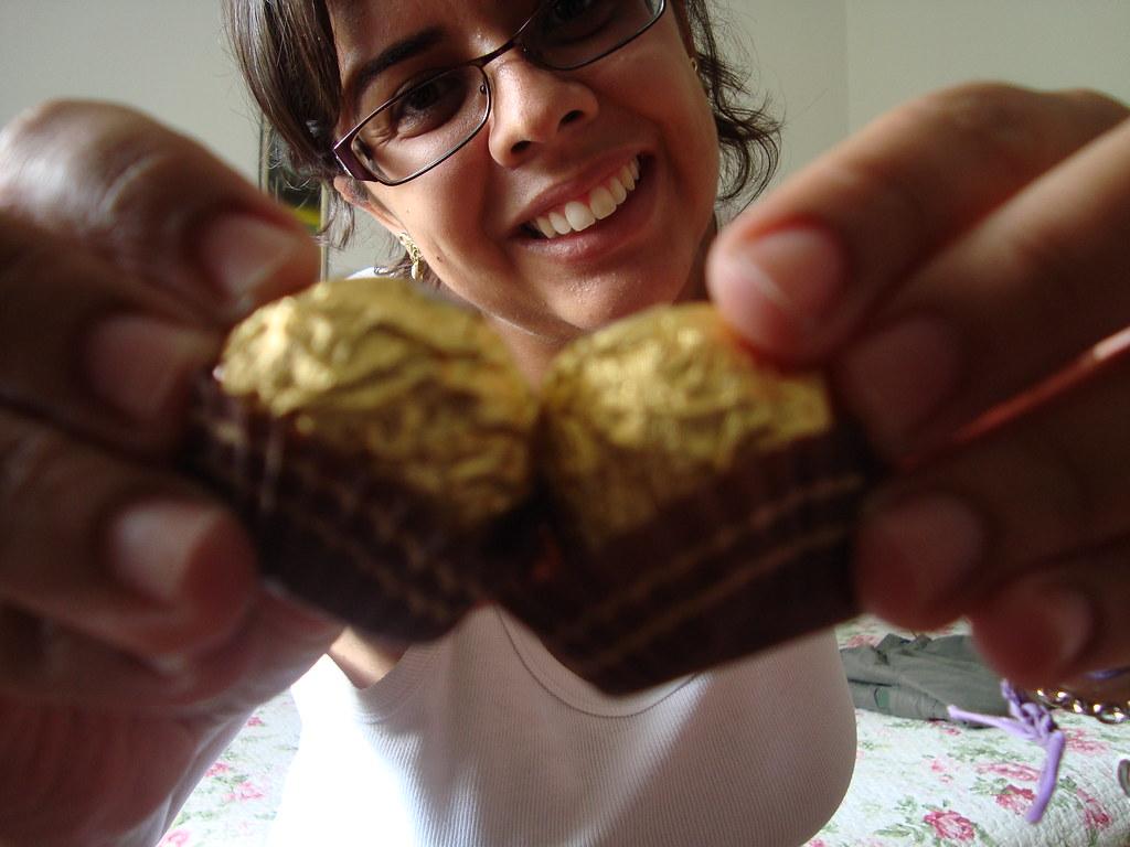 Own gente dois chocolates apaixonados..