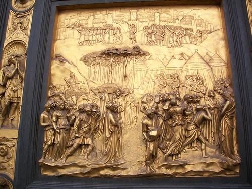 102 gold door closeup in florence