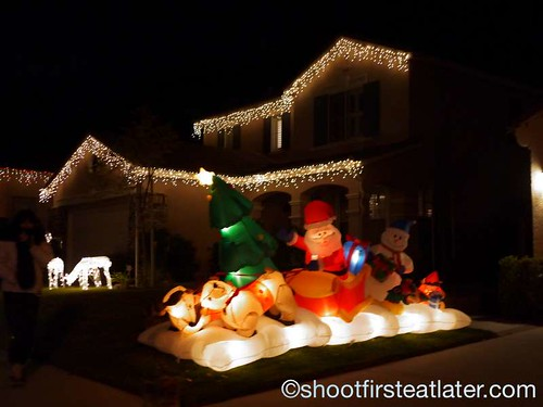 Houses with Christmas Lighting in California-5