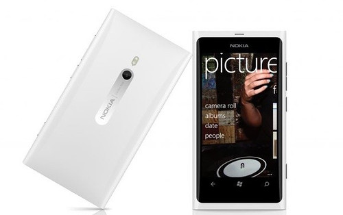 white-lumia-900
