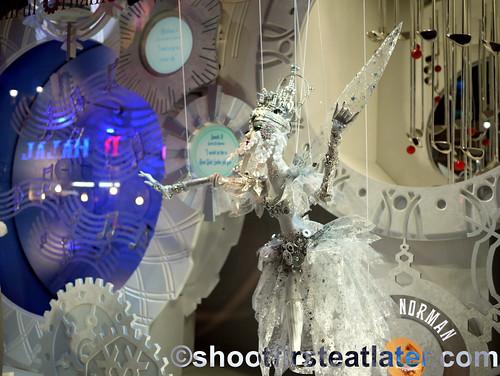 Macy's NYC holiday window display-1
