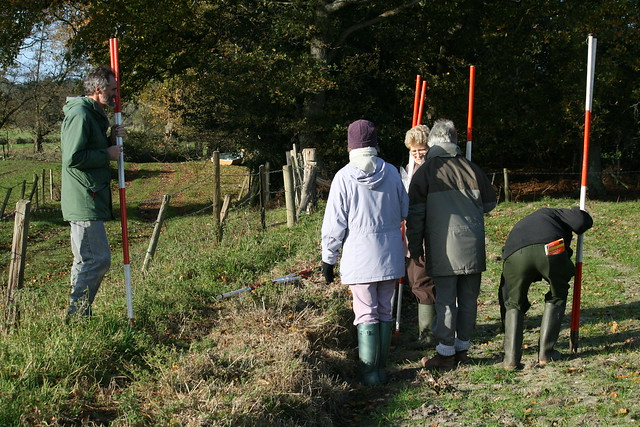 Field walking 27 Nov 2011:  Steve calls for order