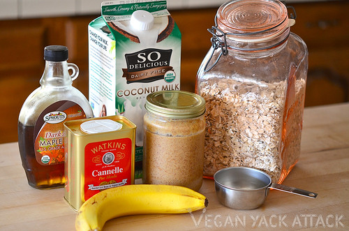 Super-easy, simple and delicious breakfast ofBanana Almond Butter Oatmeal! Great for weekday mornings. Gluten-free, vegan, soy-free