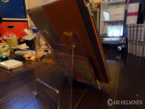 100円 iPad Stand