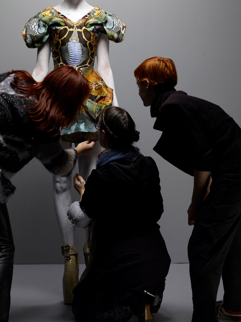 Savage Beauty Exhibition 2011 - Behind The Scenes (2)