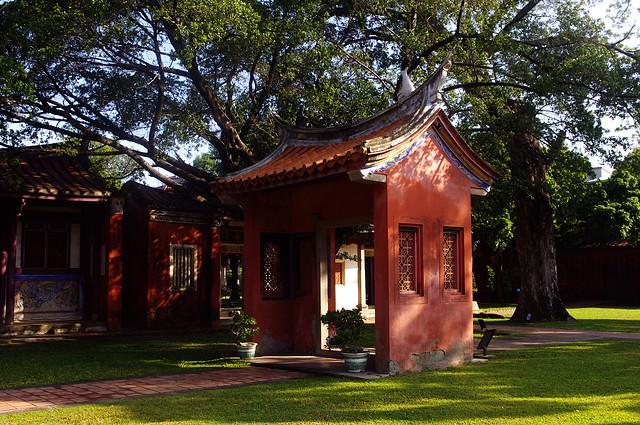 孔廟園區裡面的一座小門,很美麗。