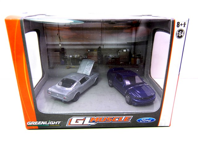 greenlight muscle ford mustang diorama (1)