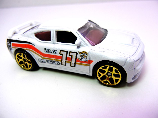 hot wheels 2011 christmas 5 pack (5)
