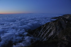 Morning glow with sea of clouds #1 -朝焼けと雲海@白馬岳-