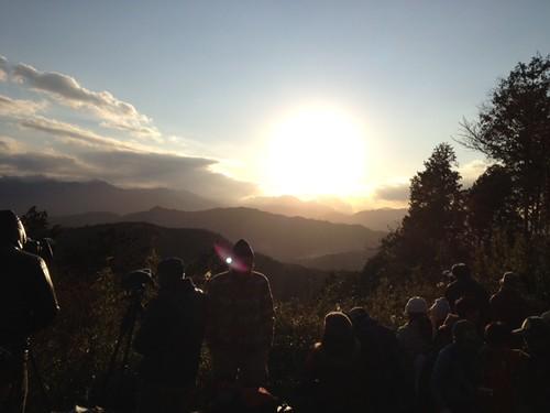 ダイアモンド富士みれるかな?@2011/12/23 高尾山