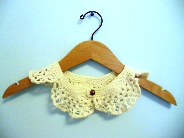 lace collar front