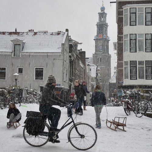 Sledding from the Hilletjesbrug in heart of Amsterdam
