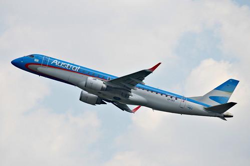 Embraer 190 da Austral @ SBGR by Aidan Formigoni
