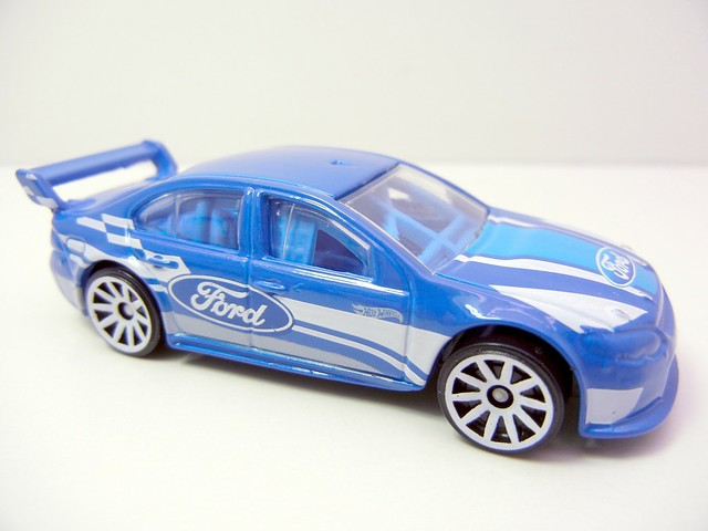 HOT WHEELS FORD FALCON RACE CAR (2)