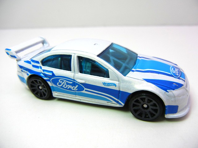 hot wheels ford falcon race car white (2)