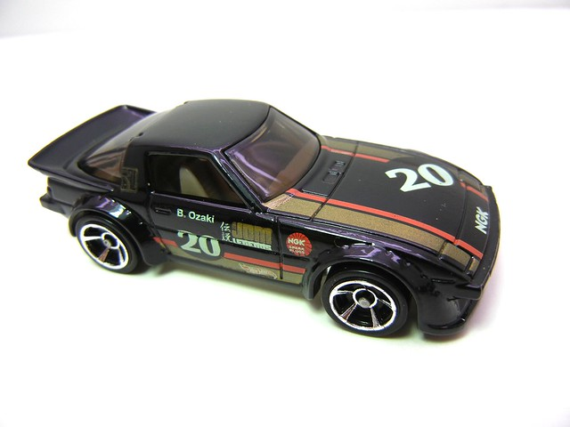 hot wheels mazda rx-7 (2)