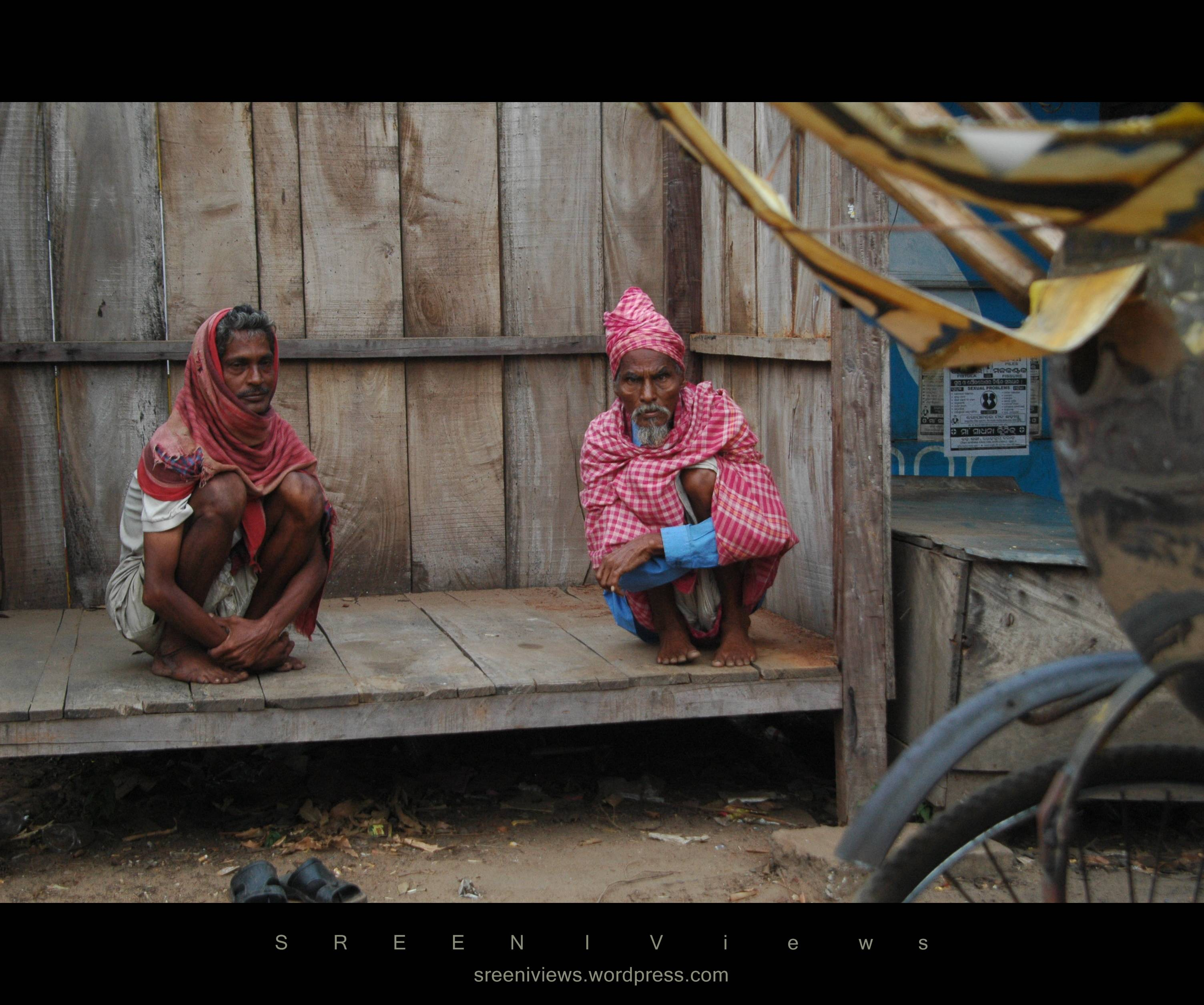 Sharing stories, the rickshawallas, Puri, Odisha, India