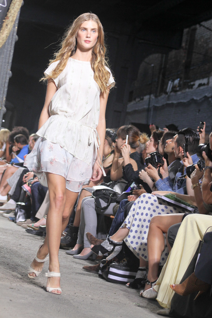 Band of Outsiders Spring 2012-74